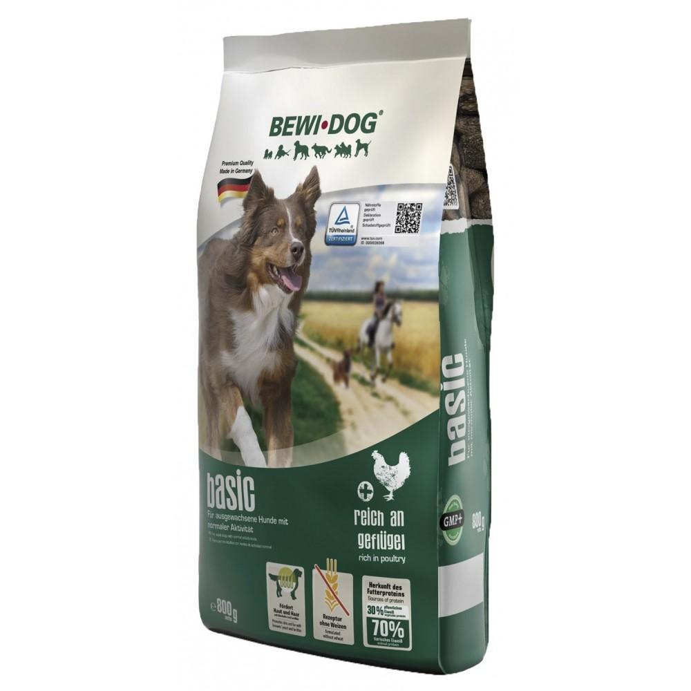 Bewi Dog BASIC rich in poultry. Hrană pentru câini cu un nivel normal de activitate.